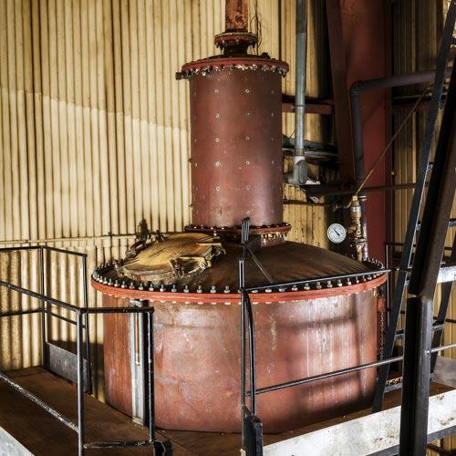 コロアラムの秘密兵器<br>銅製蒸留器が生み出す<br>スムースな味わい