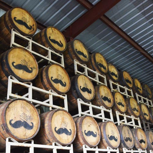 3年熟成プラスモア<br>マウイ島が誇る<br>パイナップルウイスキー