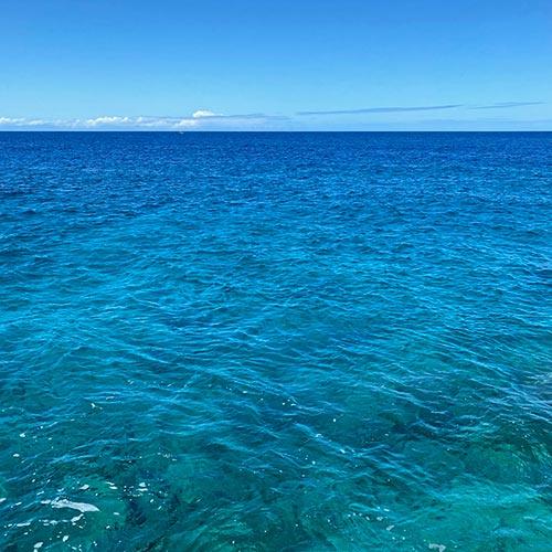ハワイ島西の火山は<br>恥ずかしがり屋さん<br>山と海との物語