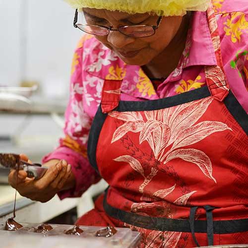 マカダミアナッツチョコ<br> ハワイの大定番に見る<br>品質の大きな差 ~後編